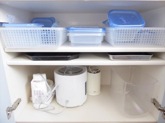 食器棚下段左側片付け前