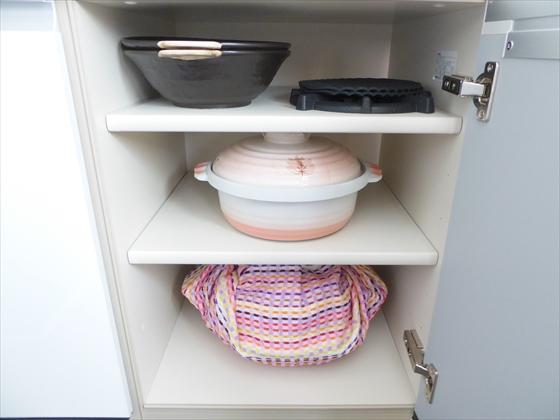 食器棚下段右側片付け後
