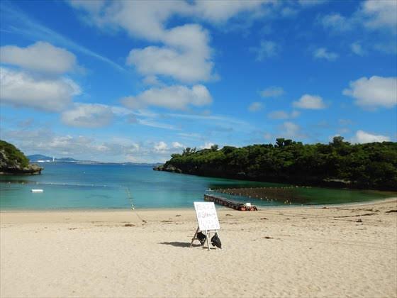 伊計島ビーチ遊泳禁止看板