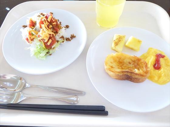 伊計島食事タコス・フレンチトースト