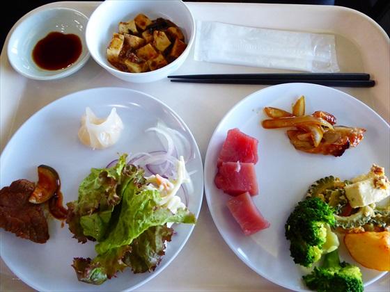 伊計島食事マグロ・チャンプルー