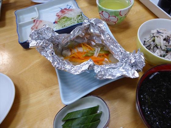 式根島食事ホイル焼き