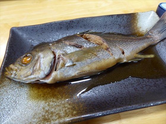 式根島食事魚の煮付け