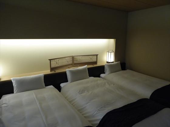 部屋ベッドルーム