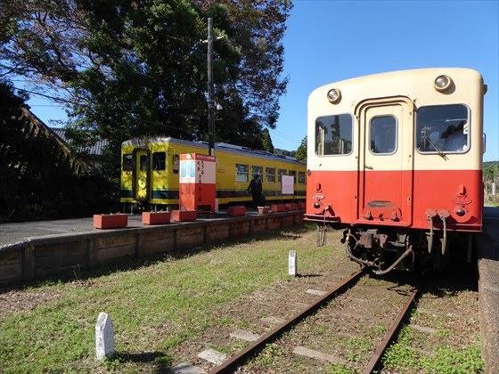 小湊鐵道といすみ鉄道が並ぶ