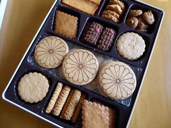 缶入りのクッキー