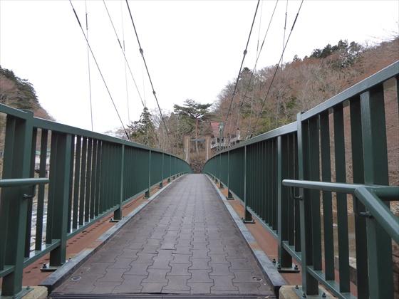 吊り橋入り口
