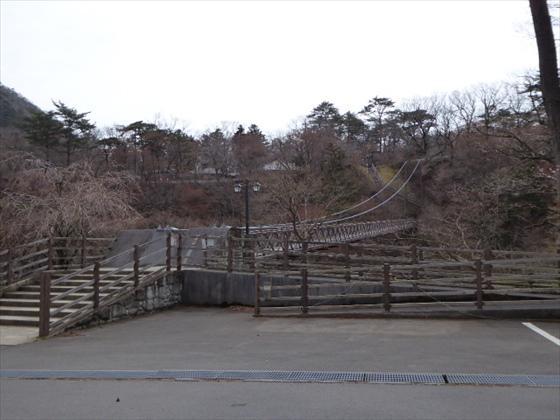 吊り橋渡った反対側からの眺め