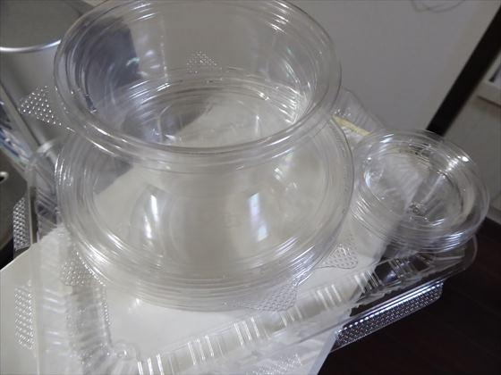 ごみになる惣菜カップ