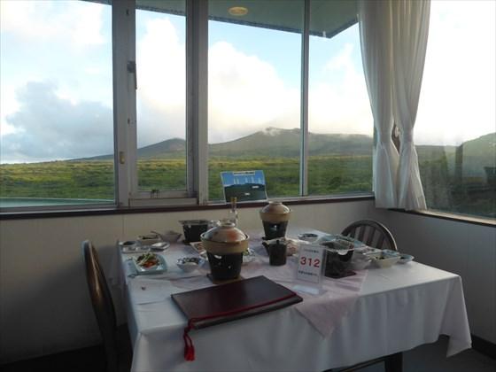 2日目の夕食時の食堂からの眺め