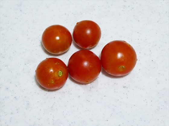 ミニトマト5個