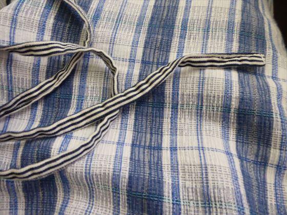 ゴムの代わりにするストライプ模様の紐