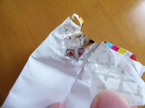 表面の紙部分を剥がしたところ