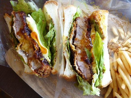 琉香豚と新鮮野菜のカツサンド、アップ写真