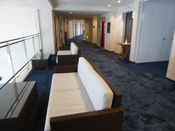 2階のソファ