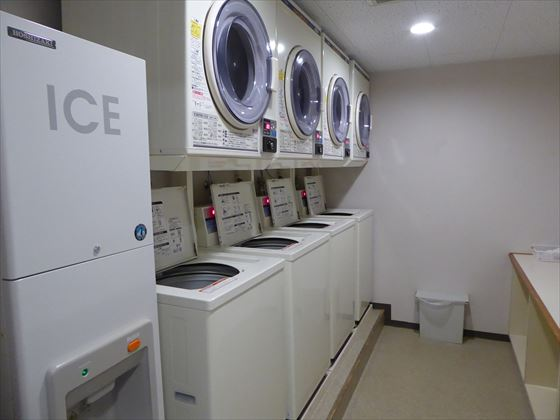 洗濯機と乾燥機と製氷機