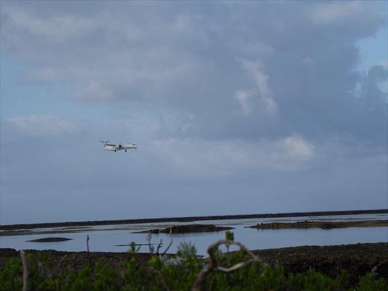 飛行機着陸の様子、2枚目