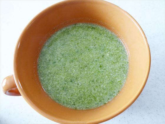 カップに入ったキャベツスープ