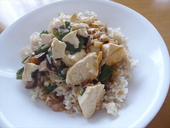 更に盛った麻婆豆腐丼