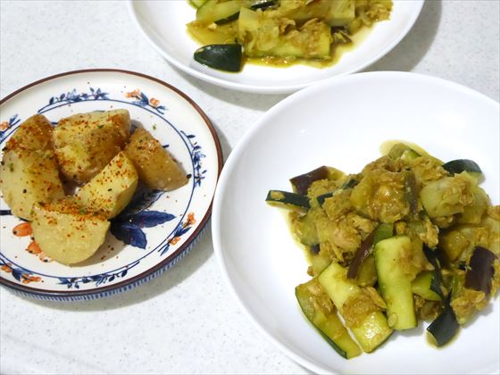 できあがった炒め物と味噌煮